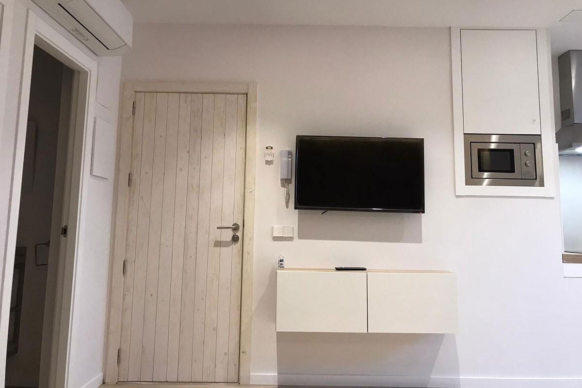 Apartamento después de la reforma. Entrada`