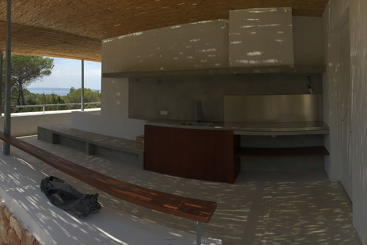 Cocina exterior en porche`